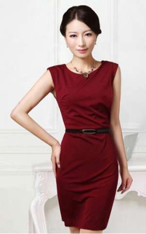 红色连衣裙