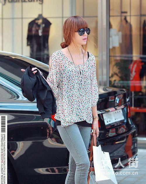 韩网红人出街搭PK 比比谁更美!